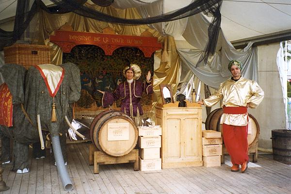 décor stand fête du millésime 1996 domaine de la tour du bon